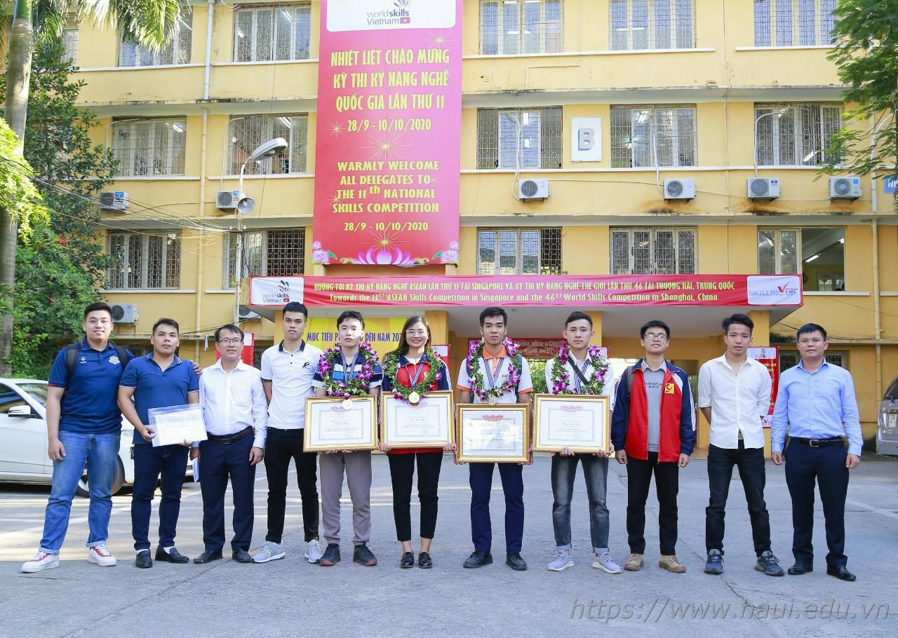 Sinh viên khoa Công nghệ thông tin dành huy chương Vàng tại kỳ thi Kỹ năng nghề Quốc gia lần thứ XI năm 2020.