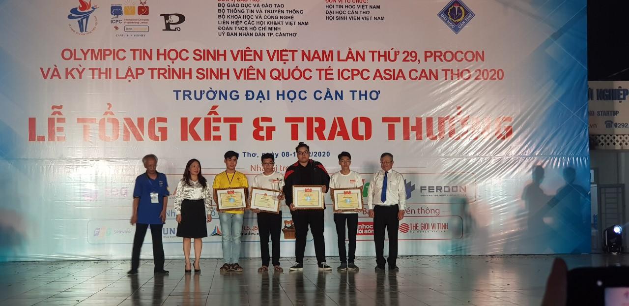 Khoa Công nghệ thông tin đạt giải tại Kỳ thi Olympic Tin học Sinh viên Việt Nam lần thứ 29