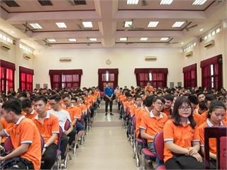 Gặp mặt sinh viên K13 khoa Công nghệ thông tin