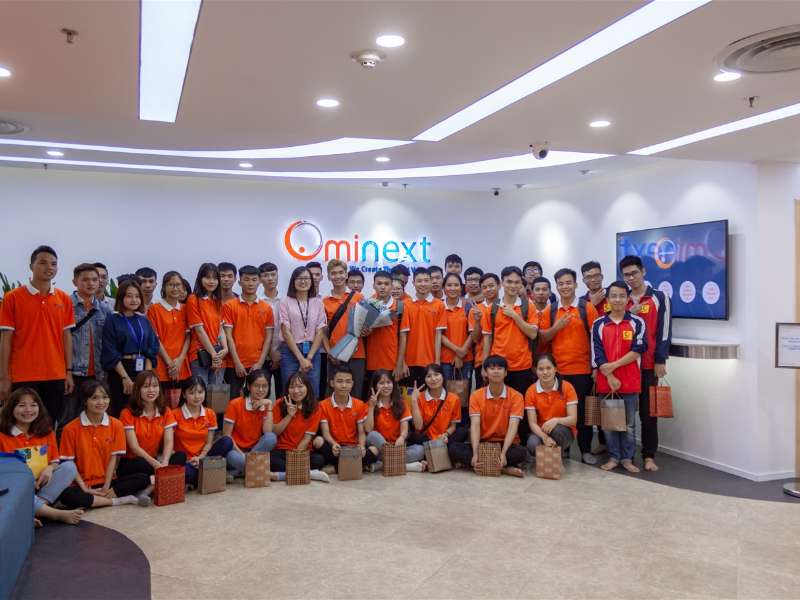 Sinh viên khoa Công nghệ thông tin tham quan thực tế tại công ty Ominext